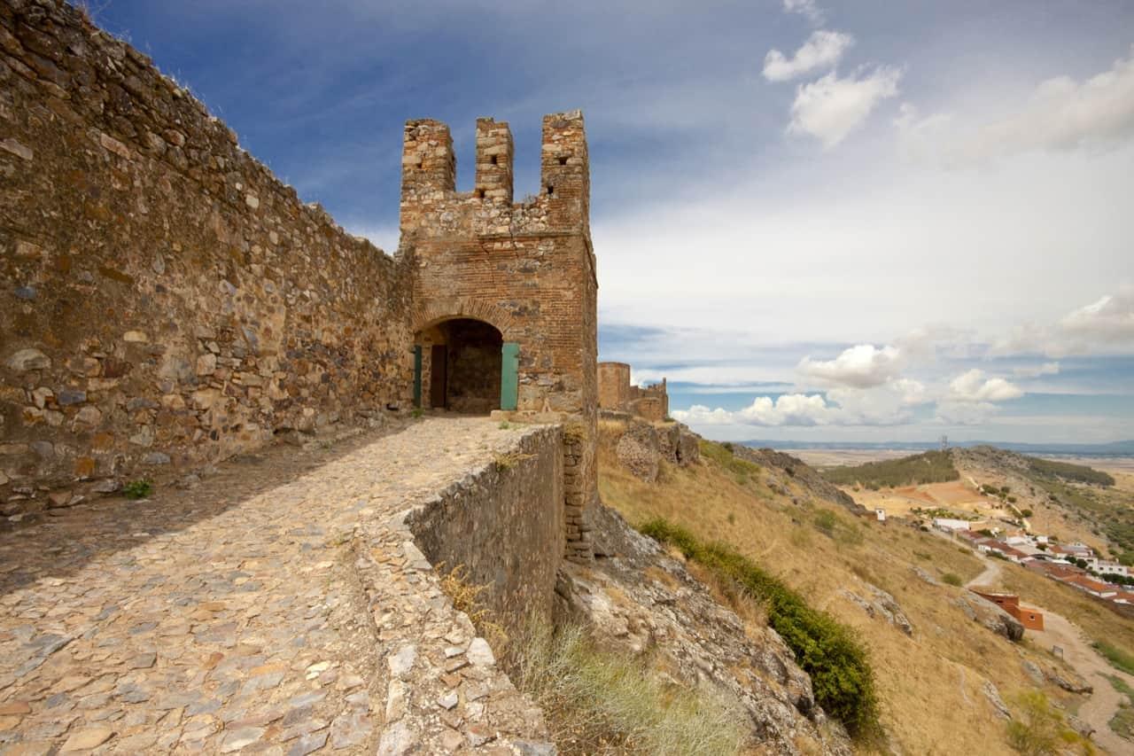 Guía de turismo por Extremadura para la inspiración del viajero. Información turística sobre visitas a Extremadura, horarios, itinerarios y lugares de interés.